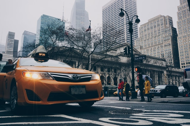 The Factors To Consider When Pre Booking Taxi Services For Long Journeys